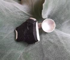 Obsidian-Ring für Individualistinnen